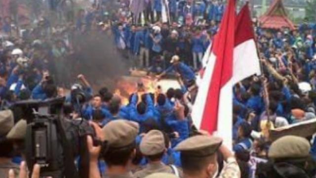 Gerakan Mahasiswa dan Ancaman Revolusi Sosial di Indonesia