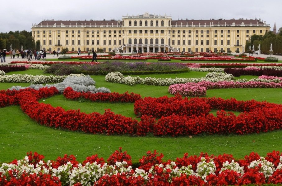 Palaces and parks Vienna