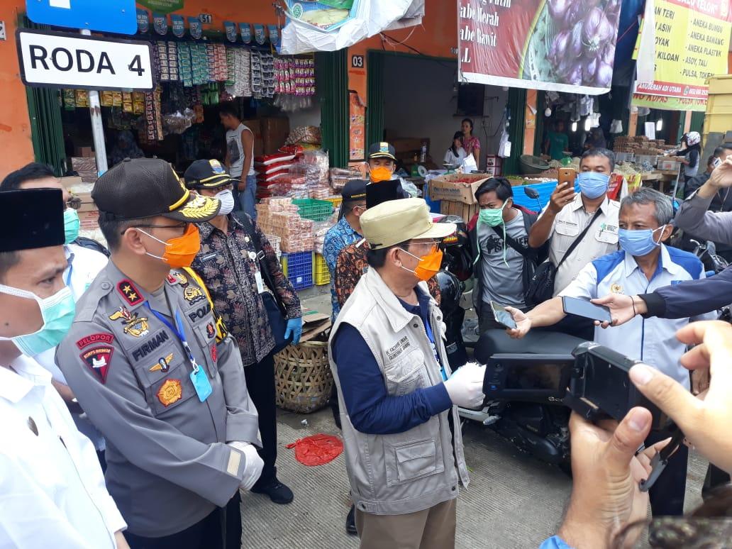Terkait Virus Covid-19, Kapolda Jambi Bersama Gubernur Tinjau Stok Pangan di Pasar Angso Duo