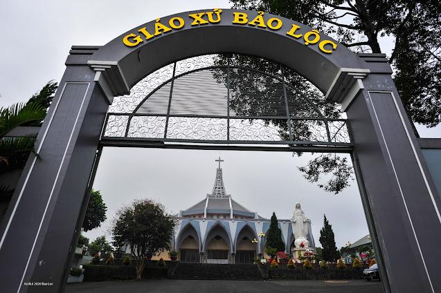 Tham quan Nhà thờ Bảo Lộc