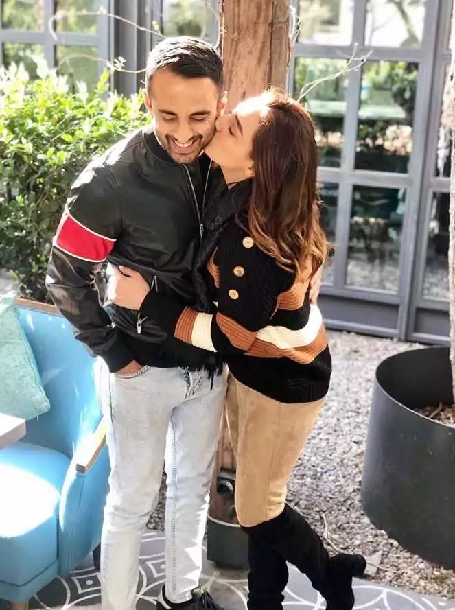 Momal Sheikh New Pictures With Husband