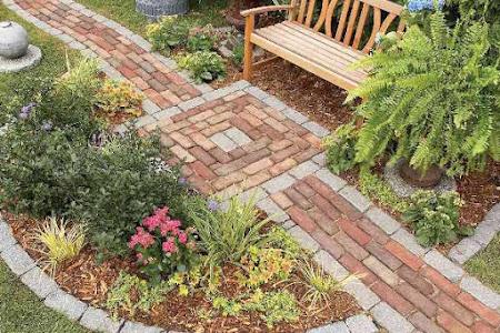 7 Pilihan Material Jalan Setapak untuk Percantik Taman
