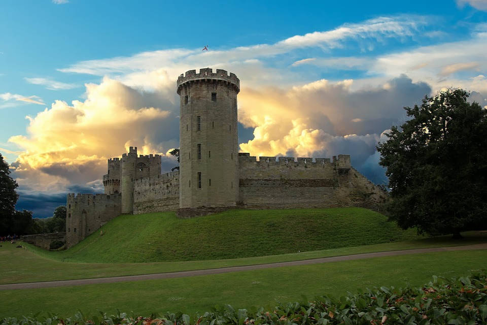Driving to Cornwall from Newcastle with Kids | Our nine day itinerary for February Half Term - Warwick Castle