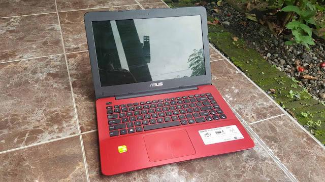 1 buah PC atau Laptop yang nanti akan di gunakan main game Lineage 2