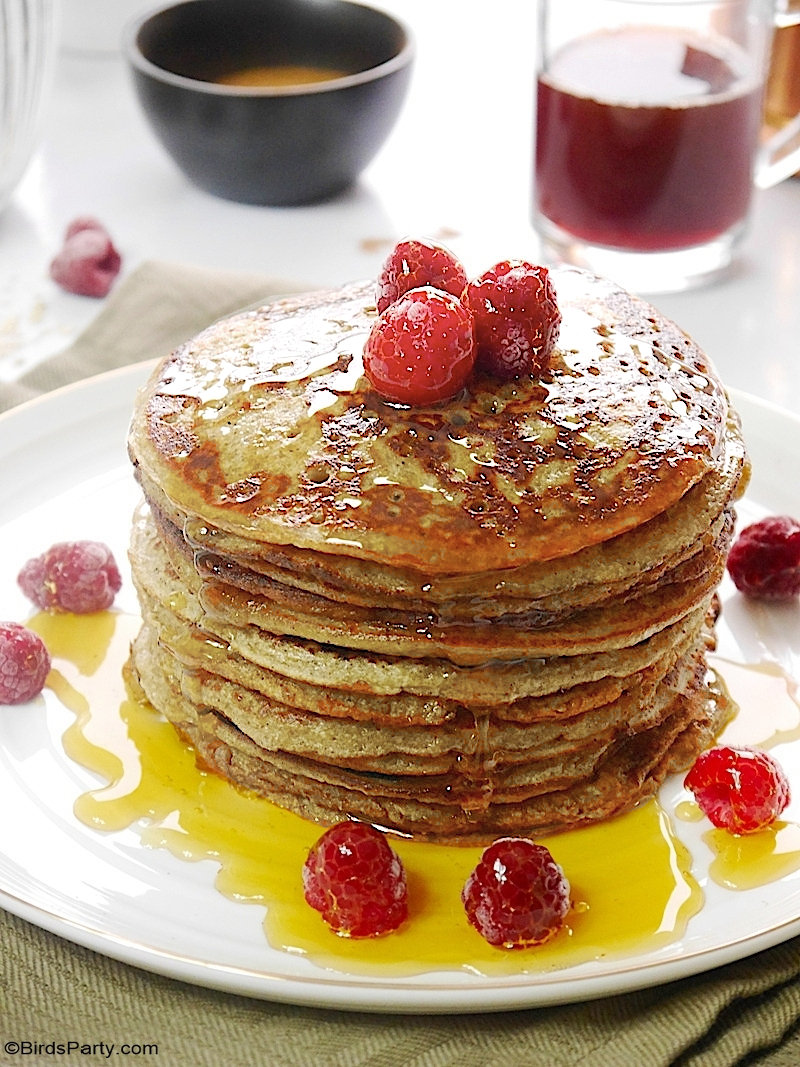 Gluten Free Banana and Oatmeal Pancakes - quick, easy and healthy, blender pancakes recipe for breakfast, brunch or pancake day Mardi Gras! by BirdsParty.com @BirdsParty #pancakeday #pancakes #bananapancakes #oatmealpancakes #recipes #crepes #buttermilkpancakes
