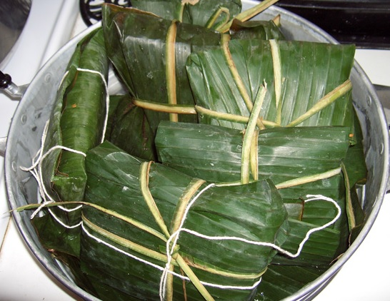 Banana leaves are used for cooking, wrapping and food serving in a wide range of cuisines in tropical and subtropical Africa.
