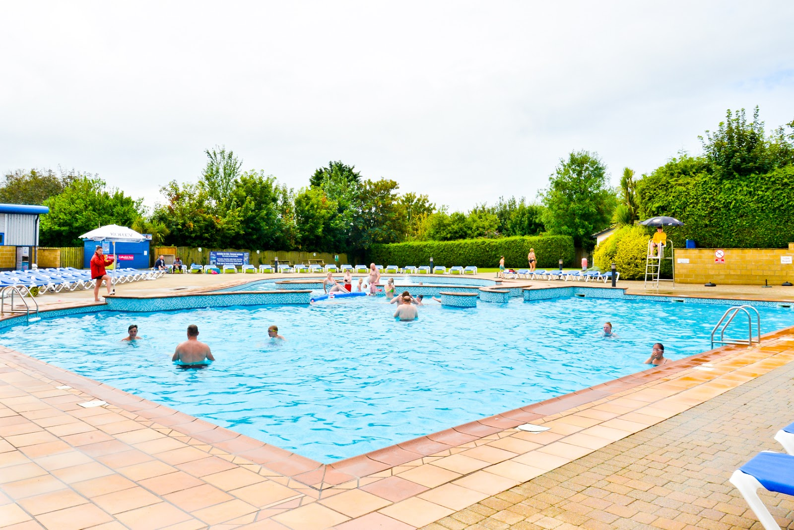 hendra holiday park review, hendra holiday park 2019, hendra holidays, oasis pool