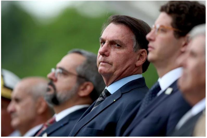 Los ministros de Bolsonaro diseñaron un plan educativo para incorporar a los niños más pobres a la educación privada / EFE / PANAMPOST
