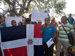 """Liceo  Francisco. A.  Peña en Cabral  conmemora el """" Mes de la Familia"""""""