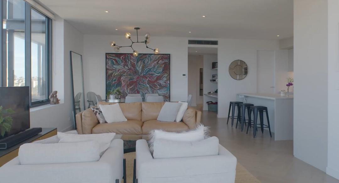 7 Interior Design Photos vs. 37 Bayswater Rd #702 Potts Point Condo Tour