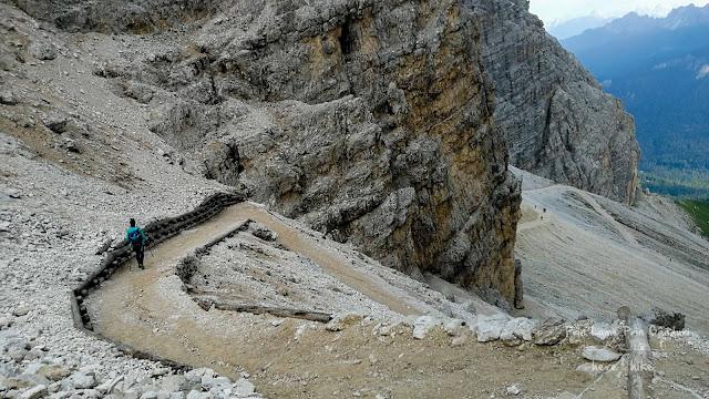 Descend from Rifugio Giussani