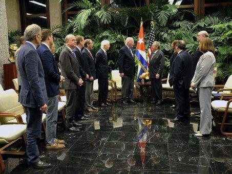 Raúl Castro recibe a congresistas de EE.UU.