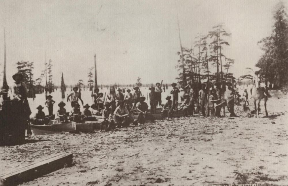 Caddo Lake pearl hunters