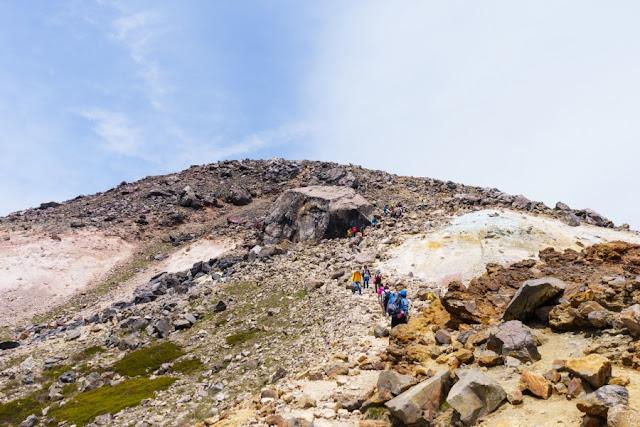 那須岳(茶臼岳)の大石