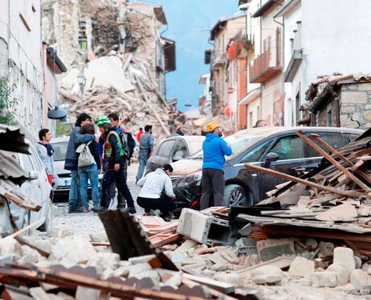 Al menos 38 muertos y decenas de desaparecidos por terremoto en Italia