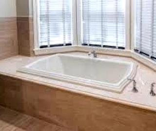 Mosaic-Bathtub-Backsplash