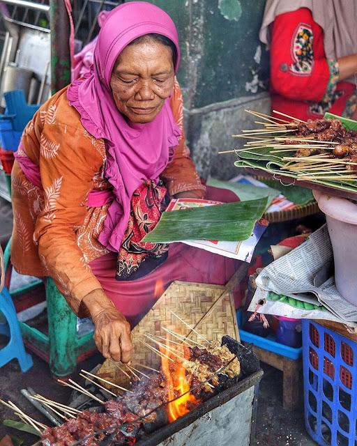 bering harjo market is tourist destination in jogja