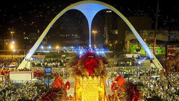 O Palco do Samba, a história dos espaços dos desfiles de carnaval no Rio