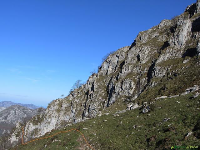 Camino al Carriá desde la Collada del Trecho