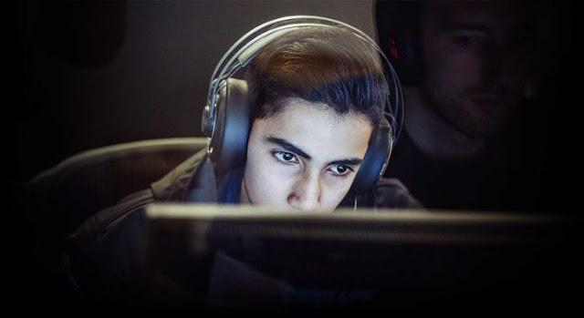 Adolescente pakistaní hace millones jugando