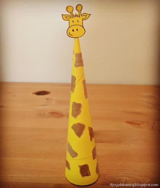 Paper Craft, Easy Craft, Toddler Craft, kids Craft, crafts for kids, preschool craft, toddler fun, sophie la girafe, teething toy, kindergarten craft, school art project, animal craft