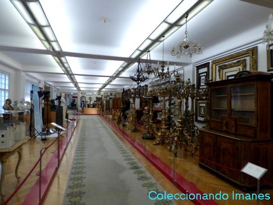 Colección de muebles imperiales en Viena