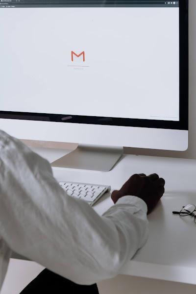 Novo Gmail com funcionalidades de chat da Google