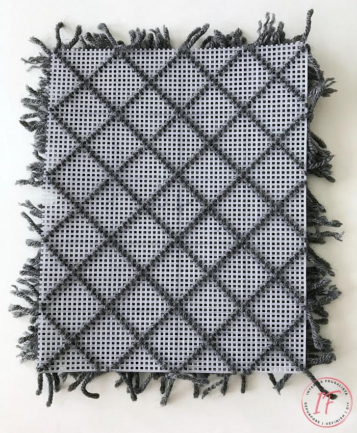 Dollhouse Diamond Shag Rug Grid