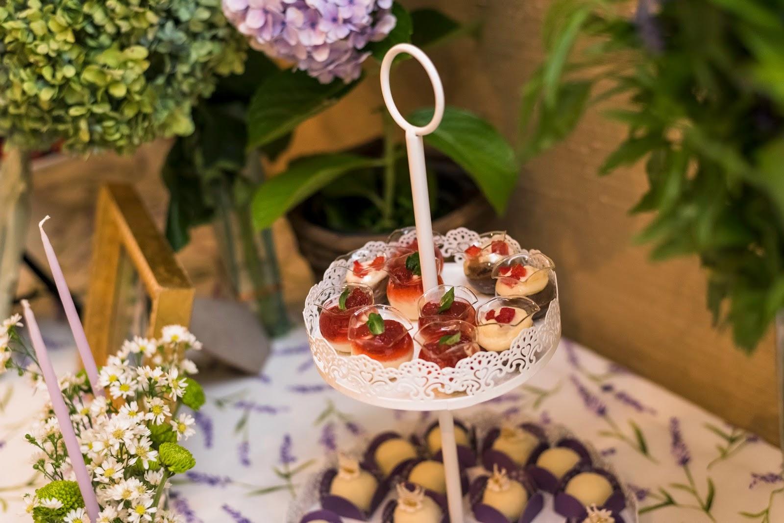 Noivado real surpresa decoração diy mesa do bolo e doces