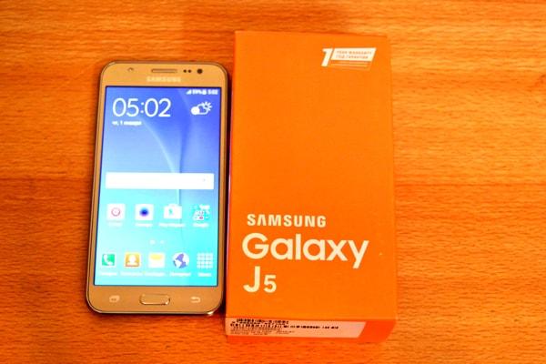 smartphone samsung modelo SM-J500M