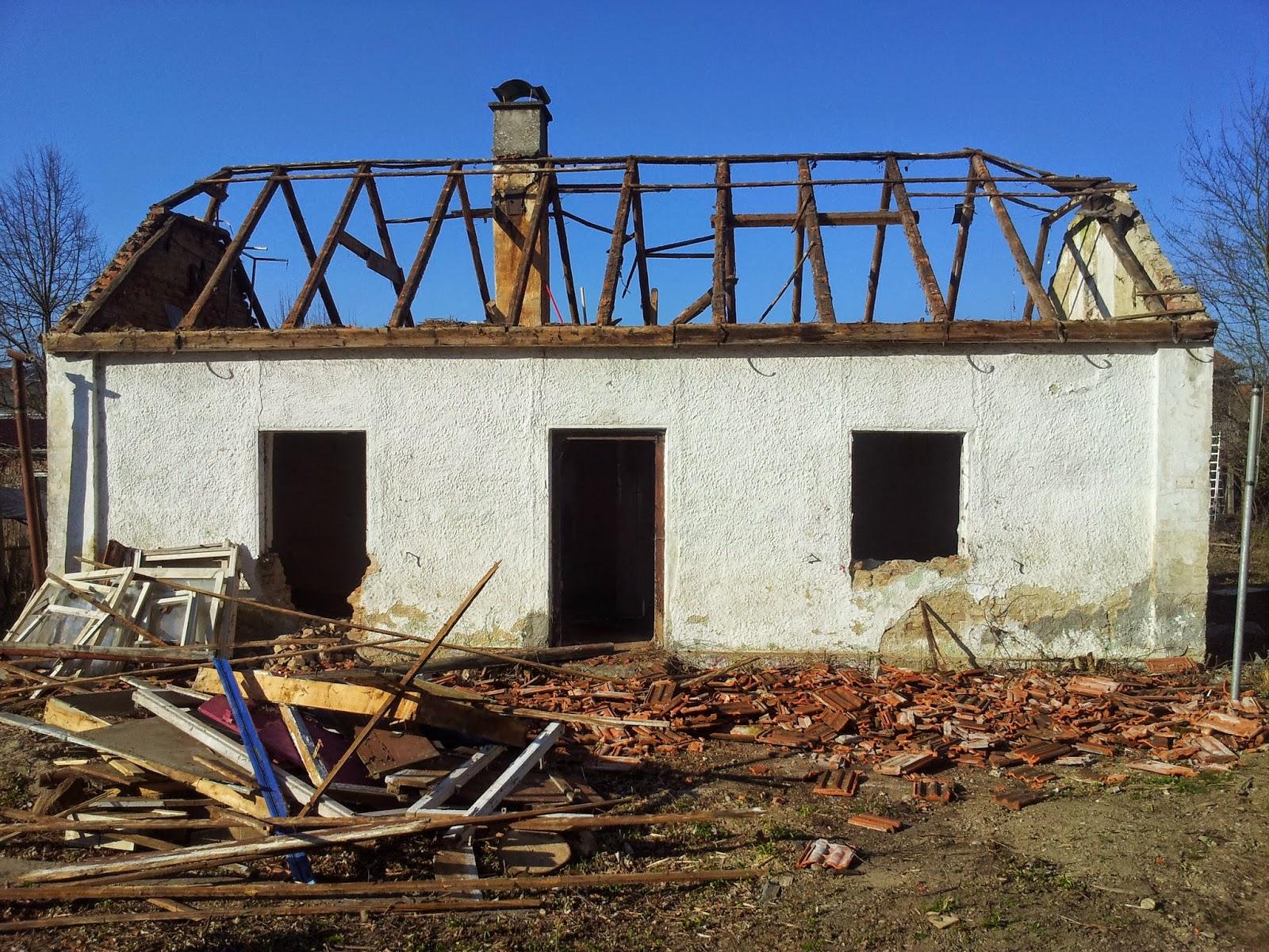 Top Hausbau mit der Firma KMH: Der Abriss HP18