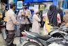 Patroli Wilayah, Anggota Polsek Idi Rayeuk Himbau Nasabah Bank Agar Menjaga Jarak