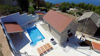 http://www.makarska-holidayhome.com/villas-with-pool/podgora/villas-makarska-with-pool-podgora-villa-fenix-en.html