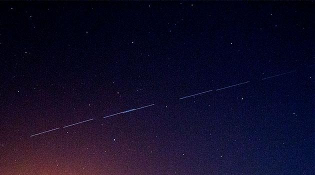 Starlinks satellites, 4 second, 28 mm, DSLR (Source: Palmia Observatory)