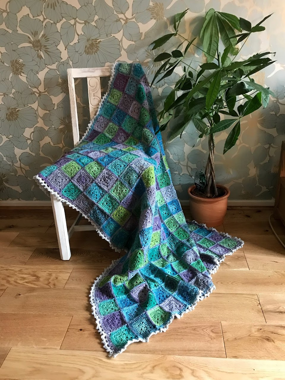 Water Lilies Blanket - FREE crochet pattern by 50 Shades of 4-ply