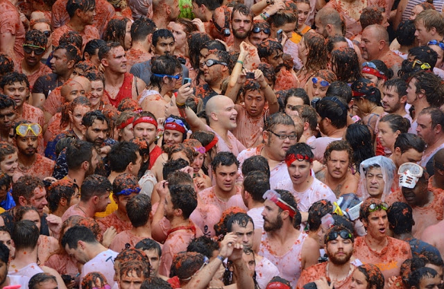 ONCE IN A LIFETIME: LA TOMATINA
