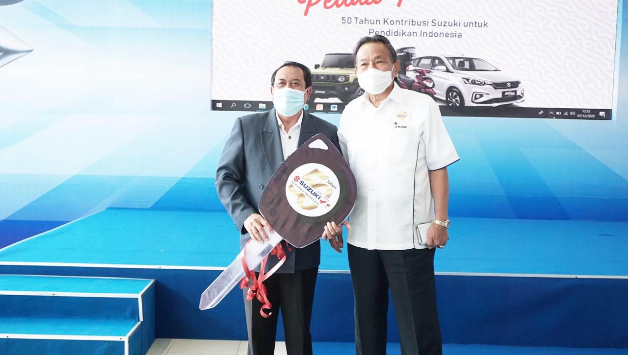 Rayakan Ultah ke-50, Suzuki Donasikan 5 Mobil ke Institusi Pendidikan