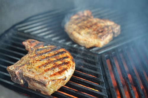 How to grill thick pork chops on a Big Green Egg kamado grill with Craycort grates.