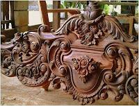 adornos cama de madera tallados