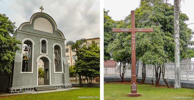 Campanário e cruzeiro nos jardins da igreja ucraniana de São Josafat, em Prudentópolis, Paraná
