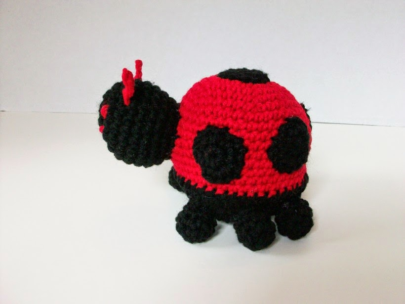 red ladybug in crochet