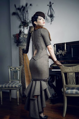 This victorian era trumpet skirt and dress style is popular in women's steampunk clothing