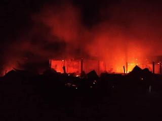 Puluhan Rumah Terbakar di Tetehosi Nias, Warga: Pemadam Dua Jam Baru Tiba!