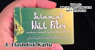 Flashdisk Kartu merupakan salah satu rekomendasi souvenir spesial idul fitri yang unik dan menarik