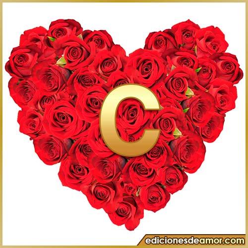 corazón de rosas con letra C
