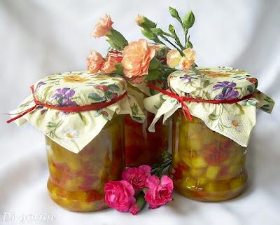 Cukinia z papryką i cebulą (do słoików)