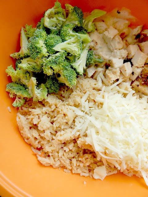 cheesy alfredo chicken casserole (sweetandsavoryfood.com)