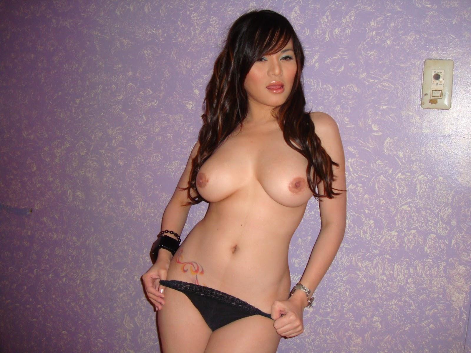 Ebony boob wank