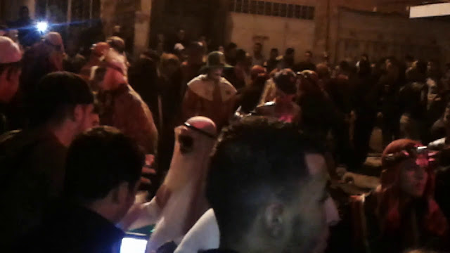 """خطير جدا  في خرق واضح لحالة الطوارئ الصحية بأكادير... تجمعات لما يسمى""""بوجلود"""" تهدد بانتشار الفيروس الخطير"""