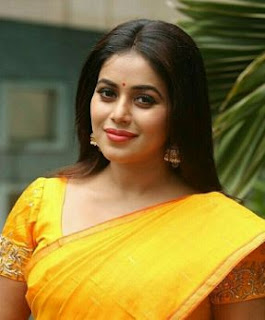 Shamna Kasim (Poorna) Family Husband Parents children's Marriage Photos